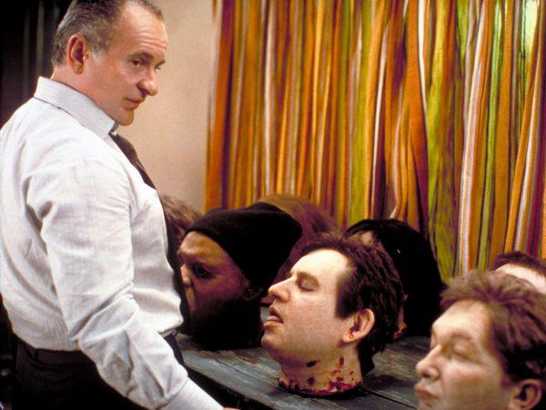 8 Heads in a Duffel Bag (1997) - MovieMeter.nl