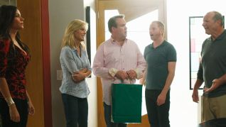 Modern Family: Bringing Up Baby