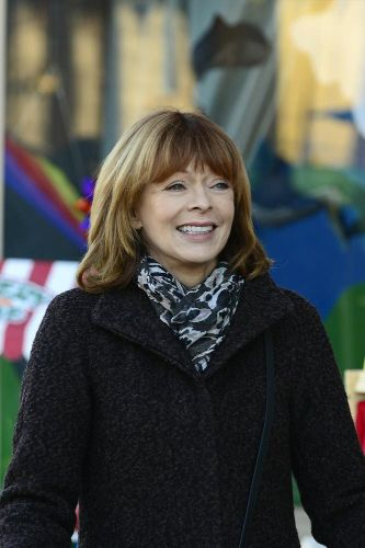 Frances Fisher | Biography, Movie Highlights and Photos ...
