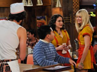 2 Broke Girls: And the Pop-Up Sale