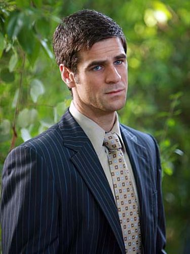 Eddie Cahill | Biography, Movie Highlights and Photos ...