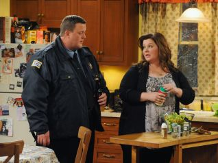 Mike & Molly: Joyce's Choices