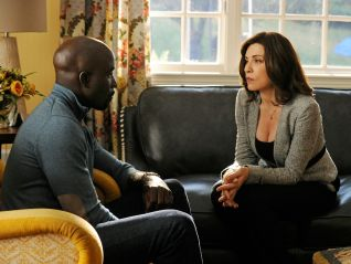 The Good Wife: Waiting for the Knock
