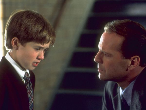 a movie analysis of the sixth sense by m night shyamalan F-35 revealed to be horror movie m night shyamalan has of his career, film director m night shyamalan has revealed that the sixth sense.