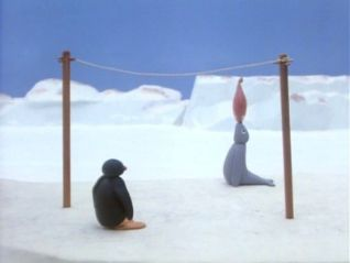 Pingu: Pingu Plays Fish Tennis