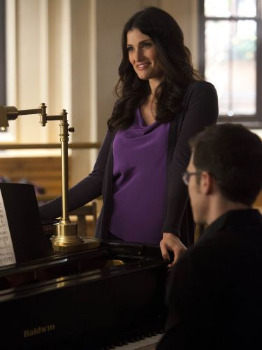 idina menzel pregnant on glee - photo #26