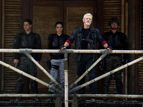 Stephen Lang | Biography, Movie Highlights and Photos