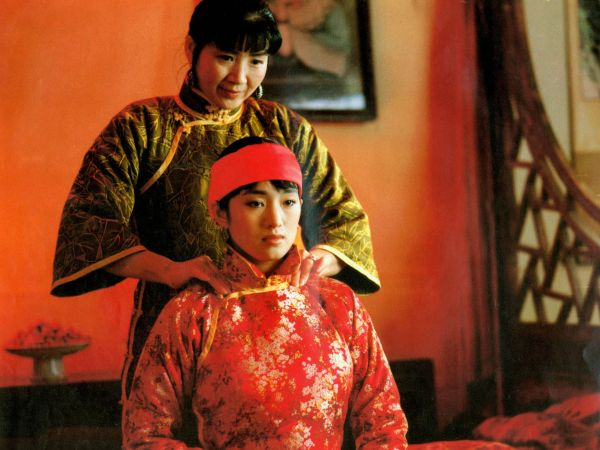 an analysis of zhang yimous raise the red lantern in china Zhang yimou is one of china's most celebrated film directors who has garnered praise both in china and abroad for films such as to live, raise the red lantern and house of flying daggers.