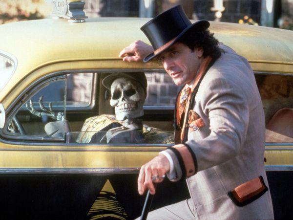 Halloweentown (1998) - Duwayne Dunham  Synopsis, Characteristics, Moods, Themes and Related