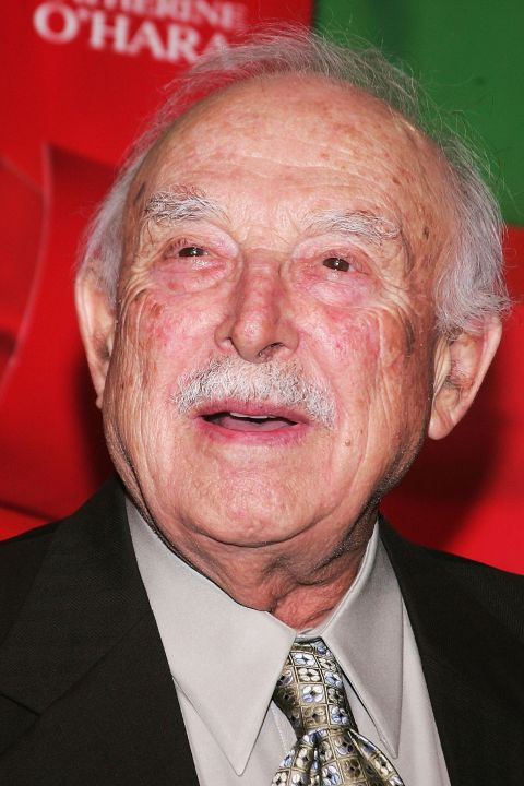 bill macy height