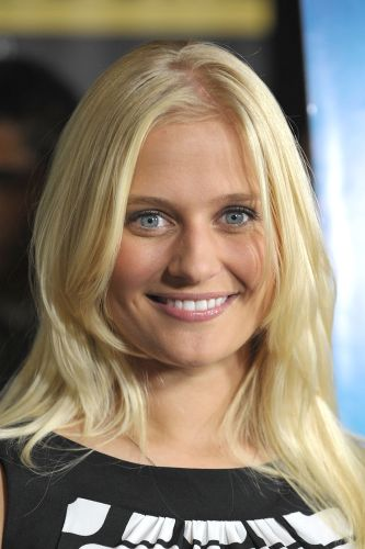 Carly Schroeder Nude Photos 97