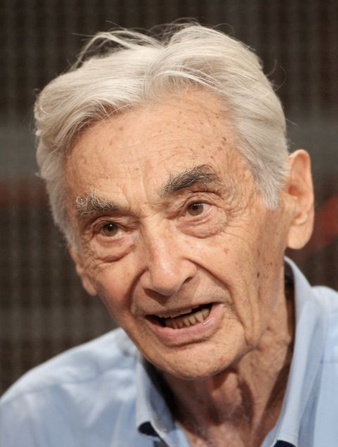 howard zinn use and abuse of In one elegant chapter after another, zinn meditates on american foreign policy, violence and human nature, law and justice, the american class system, just and unjust war, communism and anti-communism, and, of course, the use and abuse of history.