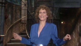 Saturday Night Live: Jamie Lee Curtis [1]