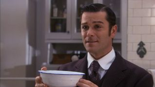 Murdoch Mysteries: Love and Human Remains
