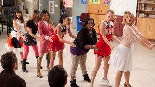 Glee: I Kissed a Girl