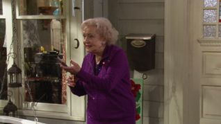 Hot in Cleveland: Life with Lucci