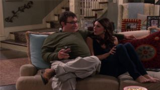 Hot in Cleveland: Hot & Heavy