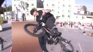 Monster Garage: RV/Skateboard Half Pipe