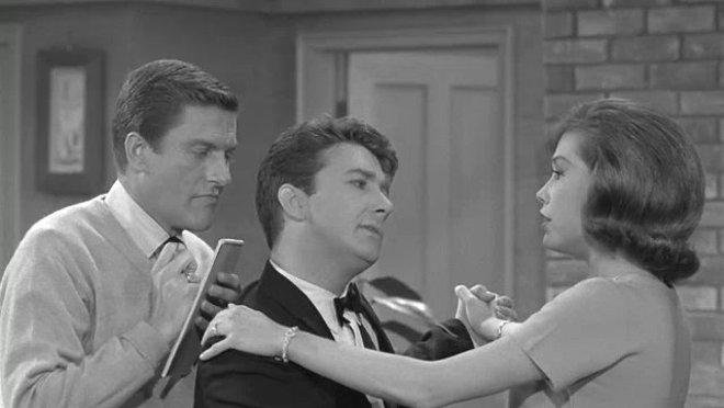 The Dick Van Dyke Show: Racy Tracy Rattigan