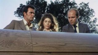 The Rockford Files: Tall Woman in Red Wagon