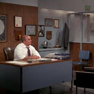 The Mary Tyler Moore Show: What's Wrong With Swimming?