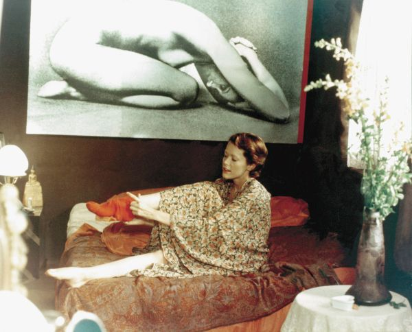 Emmanuelle (1974) - Just Jaeckin | Synopsis ...