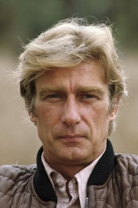 richard mulligan biography movie highlights and photos. Black Bedroom Furniture Sets. Home Design Ideas