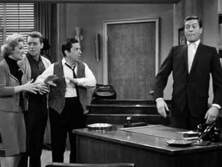The Dick Van Dyke Show: The Brave and the Backache