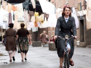Call the Midwife: Episode 1.1