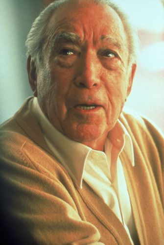 Anthony Quinn | Biography, Movie Highlights and Photos ...