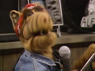 ALF: Don't It Make My Brown Eyes Blue?
