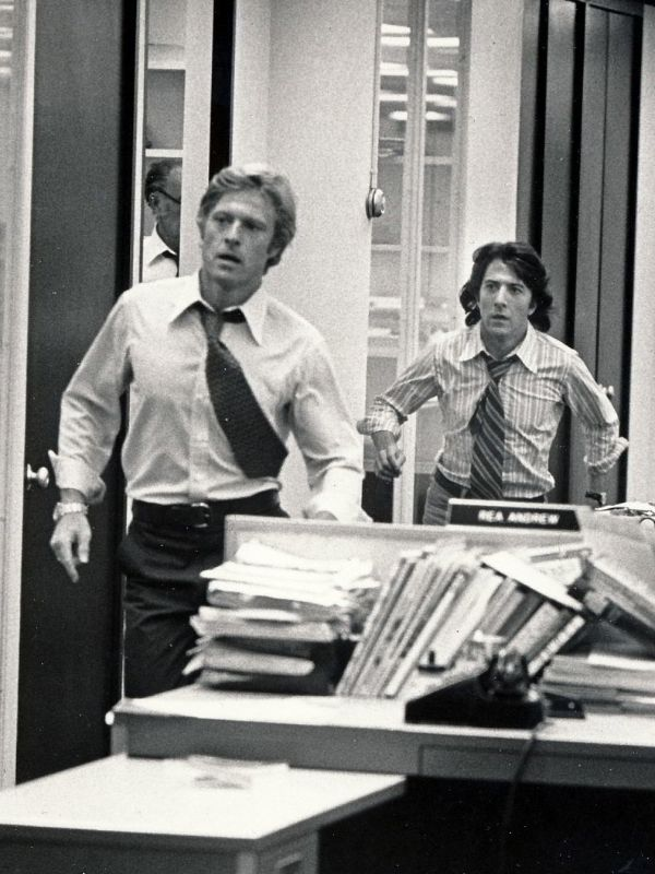 all the presidents men essay 4 All the president's men is a quintessential american movie: it does a lot of things well and makes it all look simple it works on several levels march 31,  [video essay] pakula fetishizes.