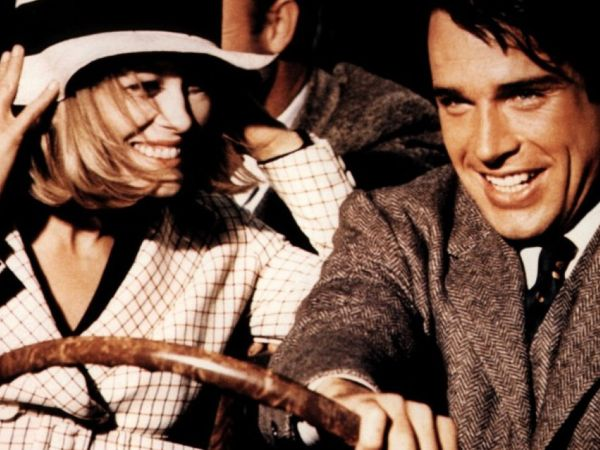 an analysis of violence in bonnie and clyde a movie by arthur penn Arthur penn's bonnie and clyde (1967) is an action-packed story about a notoriously violent bank-robbing couple and their gang clyde barrow and bonnie parker make their way through life on the road, always running (or should i say driving.
