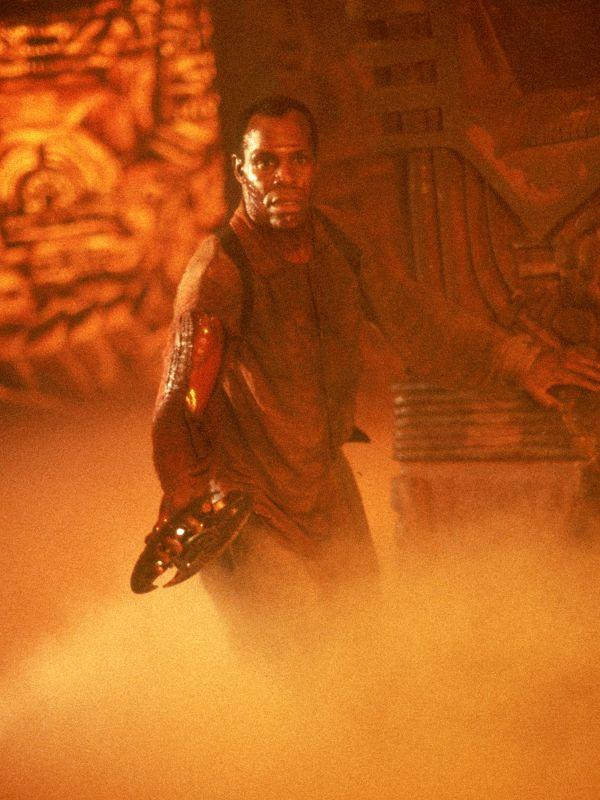 Predator 2 (1990) - Stephen Hopkins | Synopsis ... Predator 2 Danny Glover
