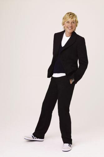 ellen degeneres biography Ellen degeneres: ellen degeneres, american comedian and television host known for her quirky observational humour degeneres briefly attended the university of new.