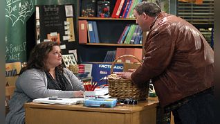 Mike & Molly: Carl Meets a Lady