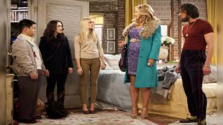 2 Broke Girls: And the Big Hole