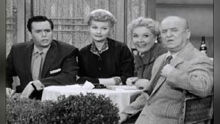 I Love Lucy: Lucy Gets a Paris Gown