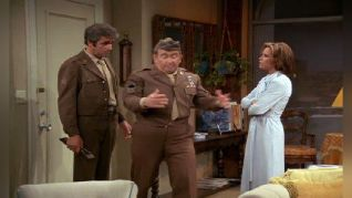 The Mary Tyler Moore Show: Lou's Army Reunion