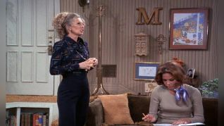 The Mary Tyler Moore Show: Phyllis Whips Inflation