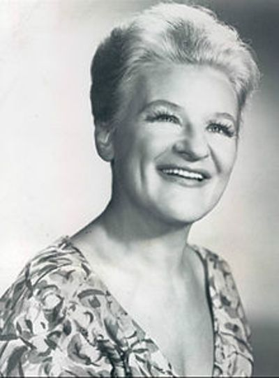 Anna Russell