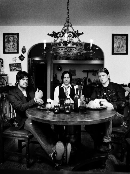 queens of the stone age biography albums streaming