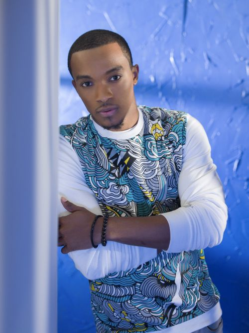 Jonathan McReynolds | Biography, Albums, Streaming Links