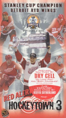 The Official 2002 Stanley Cup Championship: Detroit Red Wings - Red Alert, Hockeytown 3