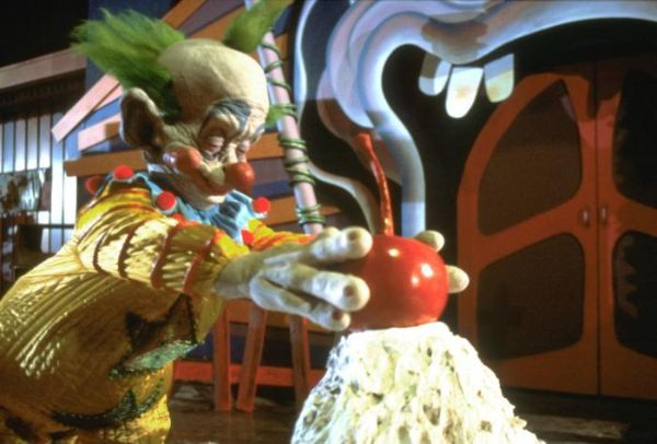 Killer klowns from outer space 1988 stephen chiodo for Who owns outer space