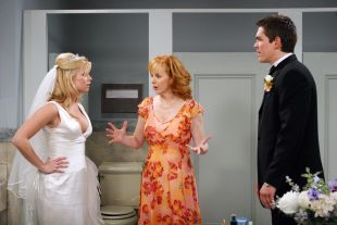 Reba : Two Weddings and a Funeral