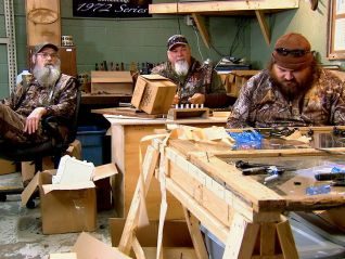 Duck Dynasty: Too Close for Comfort