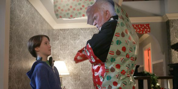 Home Alone: The Holiday Heist (2012) - Peter Hewitt ...