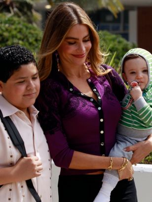 Modern Family: First Days