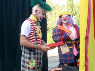 Modern Family: Send Out the Clowns